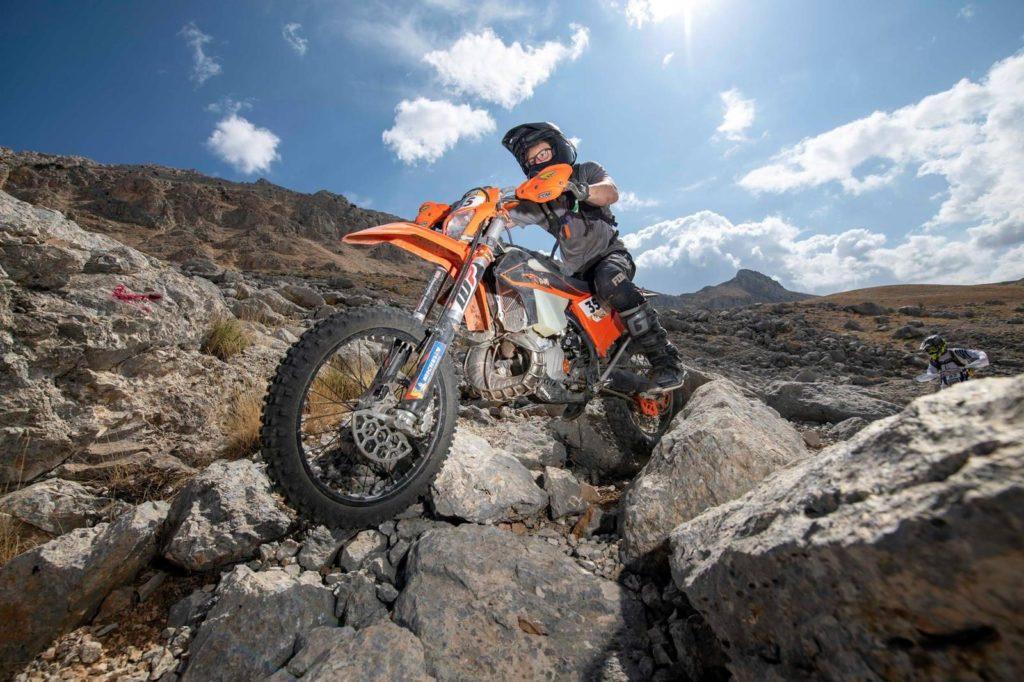 Jake Venter: Motorbike Racing. Gold in 'Sea to Sky' Enduro motorcycle event